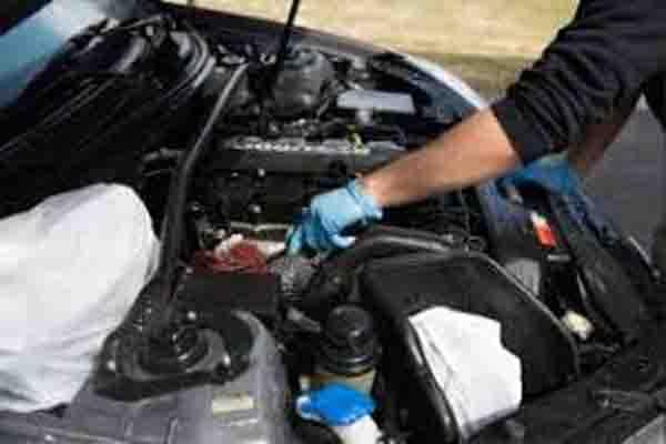 خدمة تصليح السيارات في المنزل