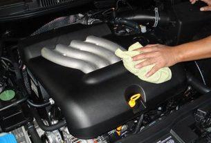 كم مرة يلزم غسيل محرك السيارة